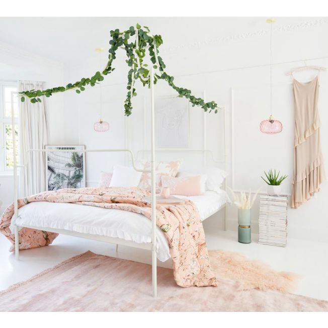 Styling A Four Poster Bed